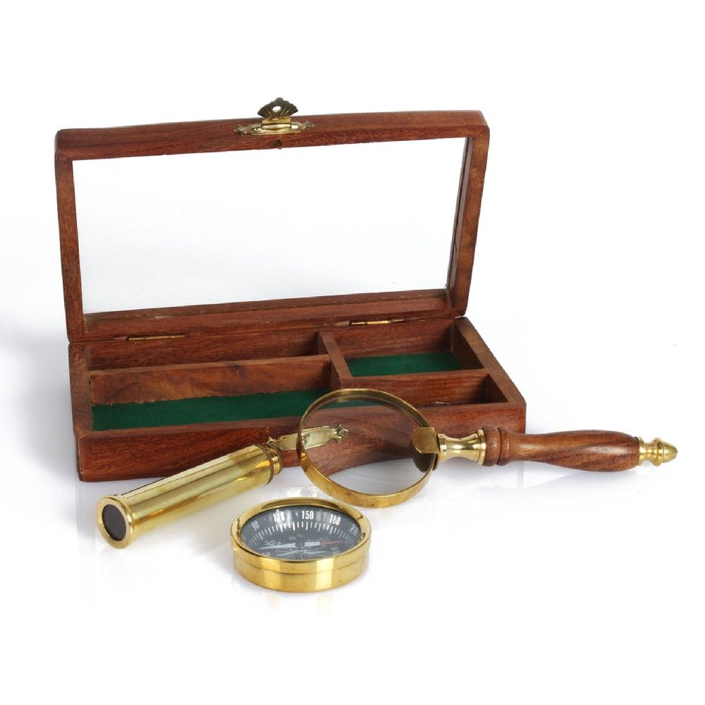 BRASS MAGNIFYING GLASS WITH WOODEN PRESENTATION BOX AND PLAQUE